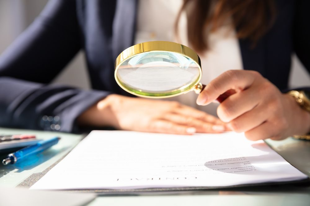 Legal Service Contempt_magnifying glass_1000x667_C